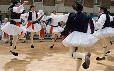 Гръцки танци за начинаещи в читалище Средец